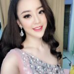 """Người đẹp Hà Thành chê thủ môn Tấn Trường """"như một trò đùa"""" khiến dân mạng dậy sóng"""